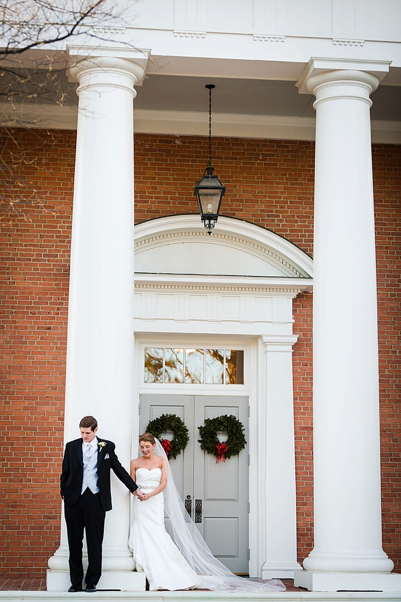 dowtown-richmond-va-holiday-wedding-at-the-renaissance_0015