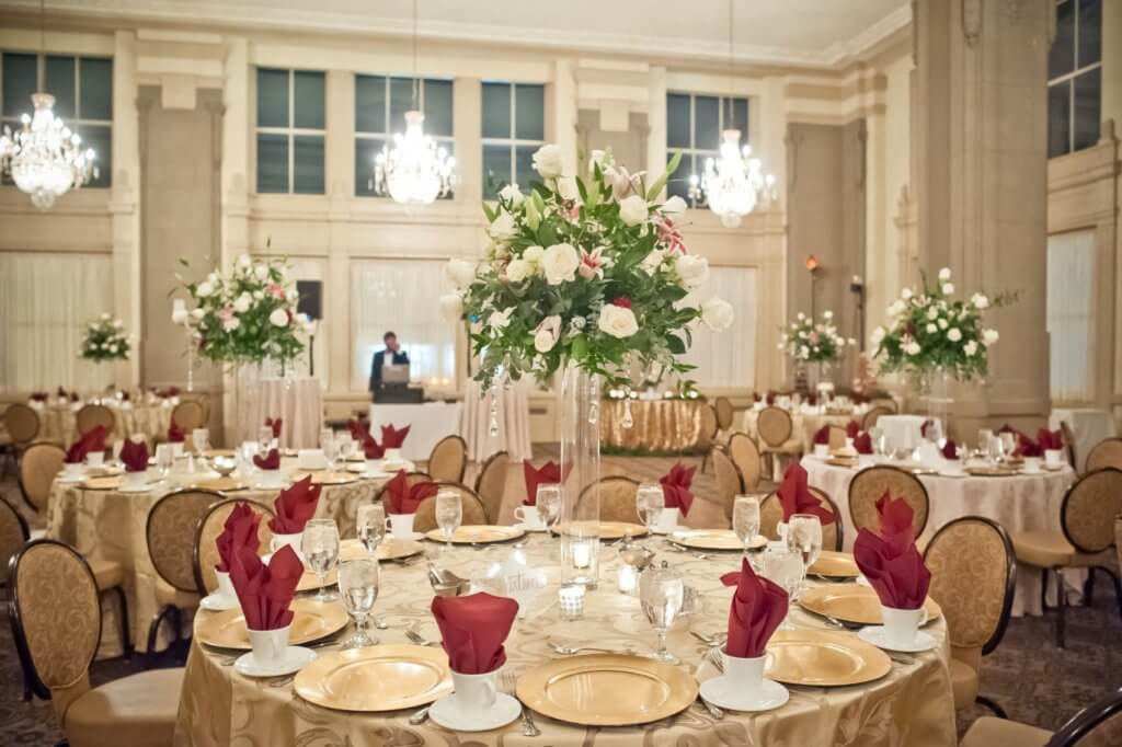 Real Richmond Weddings Holly Jeff Holiday Wedding John Marshall Ballrooms Virginia