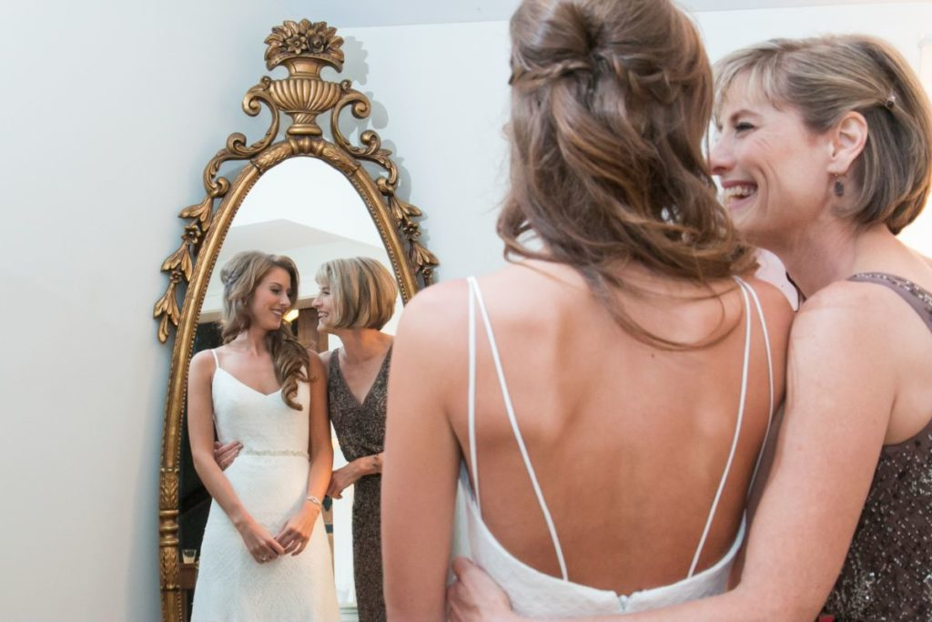 Island Glow Sunless Studio Salon Beauty Bar Richmond Wedding highlight