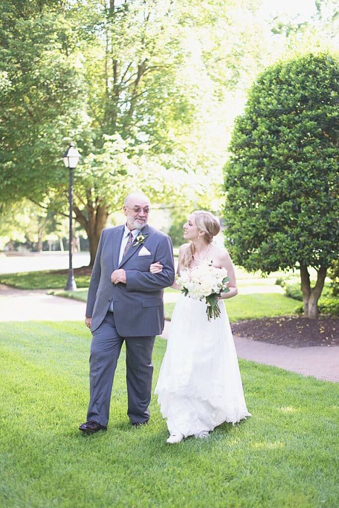 manor house king's charter wedding photos richmond va